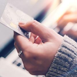 Cartão de crédito sem anuidade? Confira os 20 melhores da atualidade