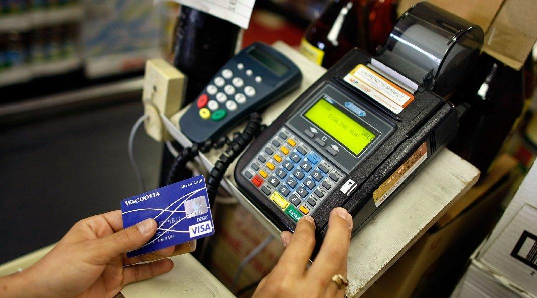 Confira 4 cartões de crédito sem anuidade para renda até R$ 1.000