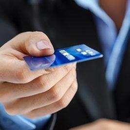 Qual o melhor programa de recompensas? Nubank ou Credicard Zero?