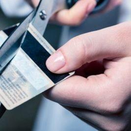 Justiça determina cancelamento dos cartões de crédito de devedores