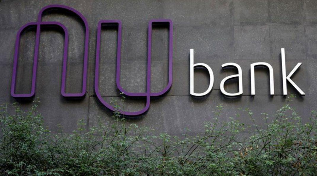 Nubank recebe aporte de quase 1 bilhão de reais da chinesa Tencent e é avaliado em 4 bilhões de dólares.