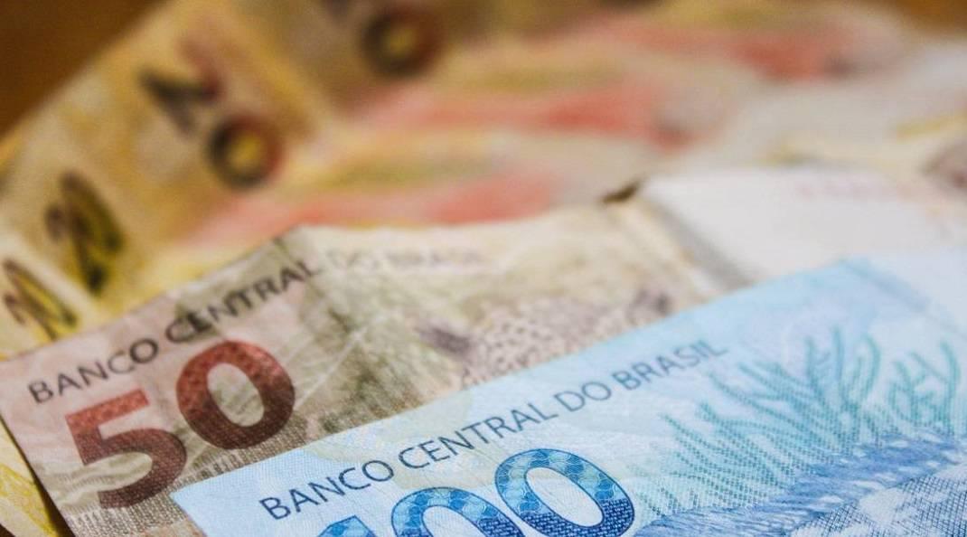 Governo propõe salário mínimo de R$ 1.040 para 2020
