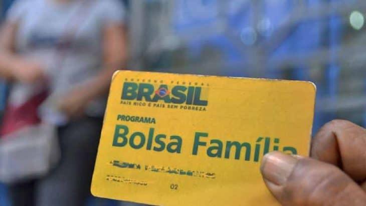 Bolsa Família vai pagar um salário mínimo aos seus beneficiários?