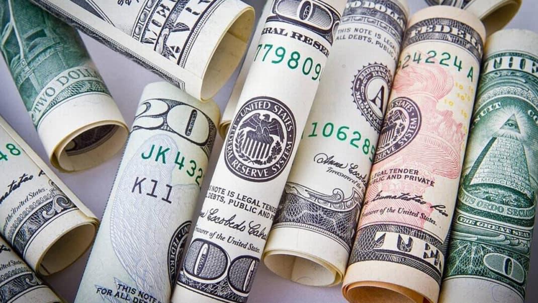 Banco Central quer permitir contas em dólar no Brasil