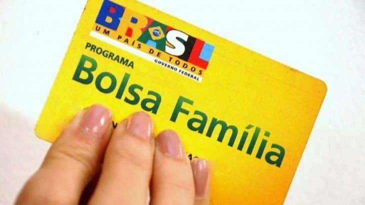 Cartão de débito e crédito do Bolsa Família: verdade ou mentira?