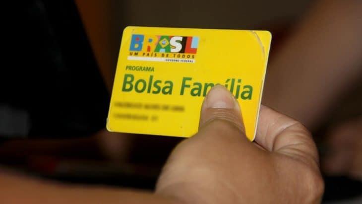 Bolsa Família pode acabar sem crédito suplementar, diz Bolsonaro