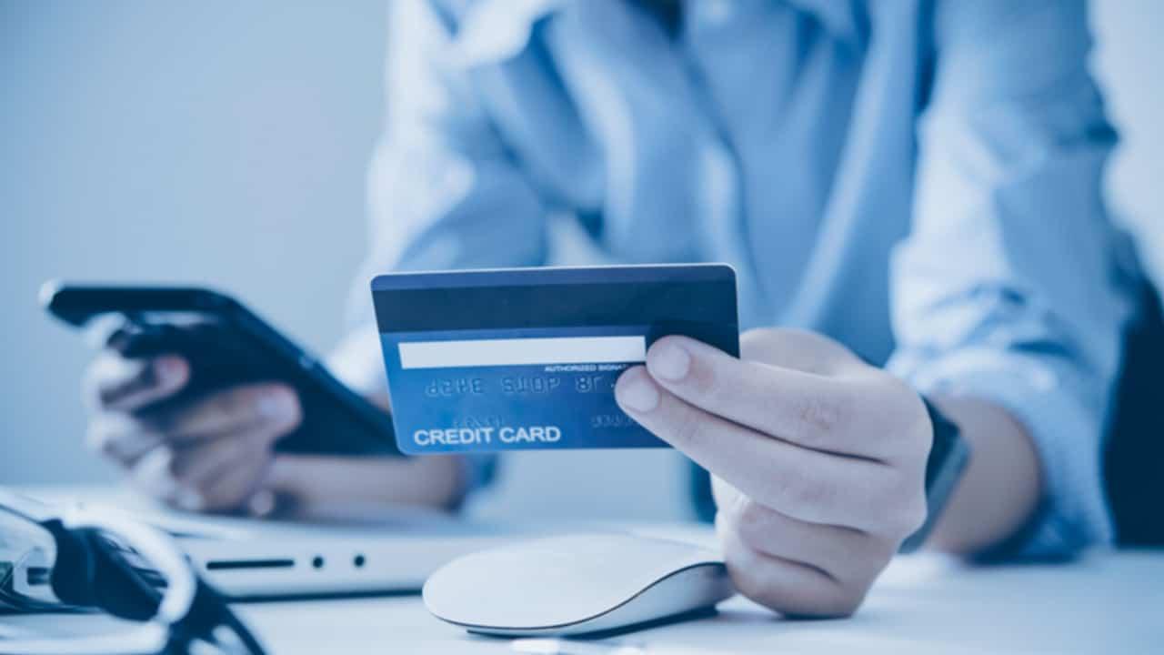 dívida com o cartão de crédito