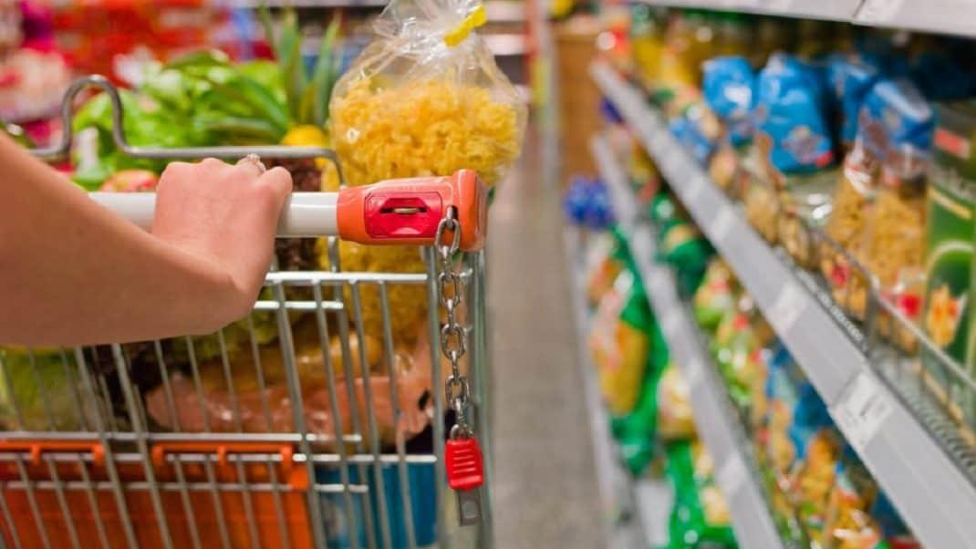 Ir menos vezes ao mercado diminui gastos em até 30%