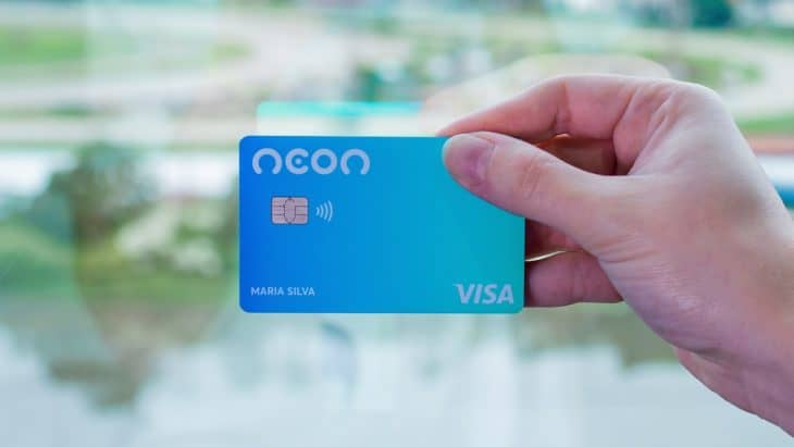 Neon lança cartão de pagamento por aproximação para débito e crédito
