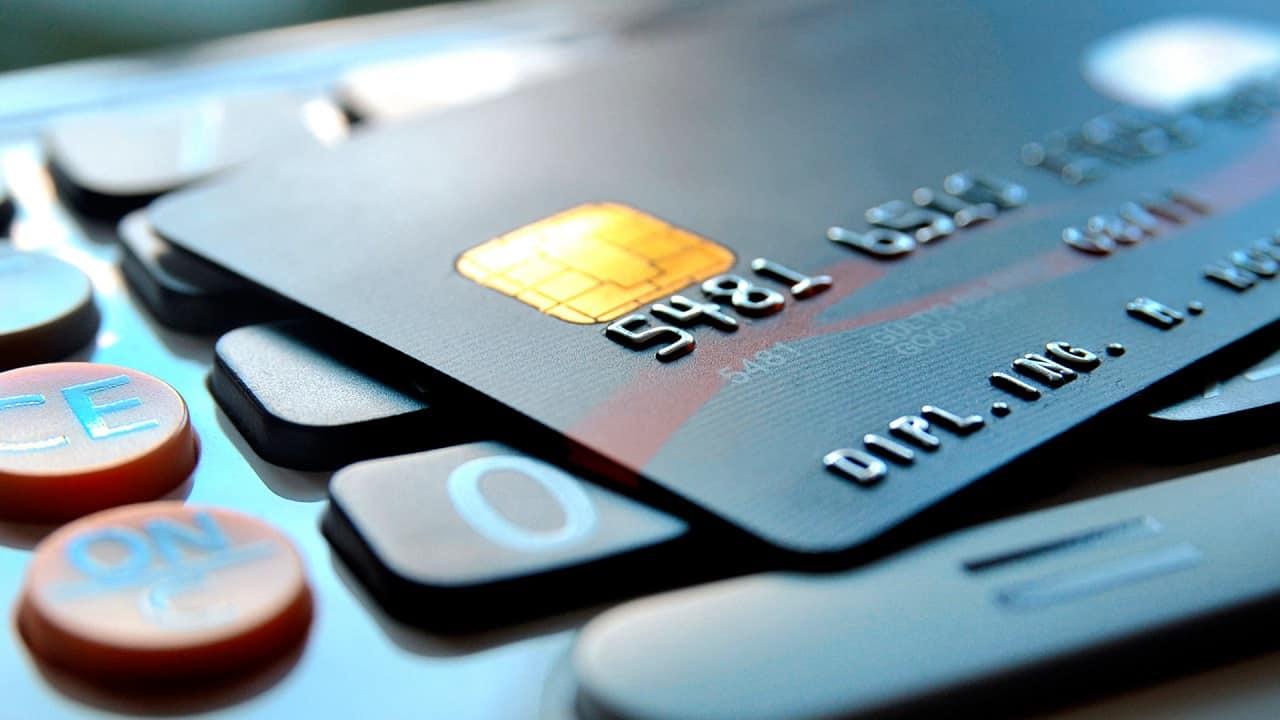 Cartão Visa funciona com Bitcoin até para negativados no SPC/Serasa