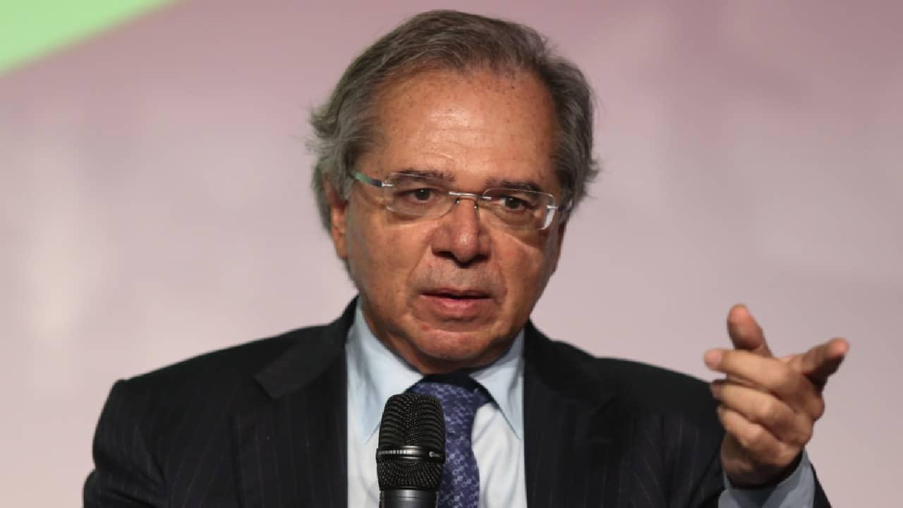 Saques do FGTS e PIS-Pasep podem liberar R$ 63 bilhões na economia, diz Paulo Guedes