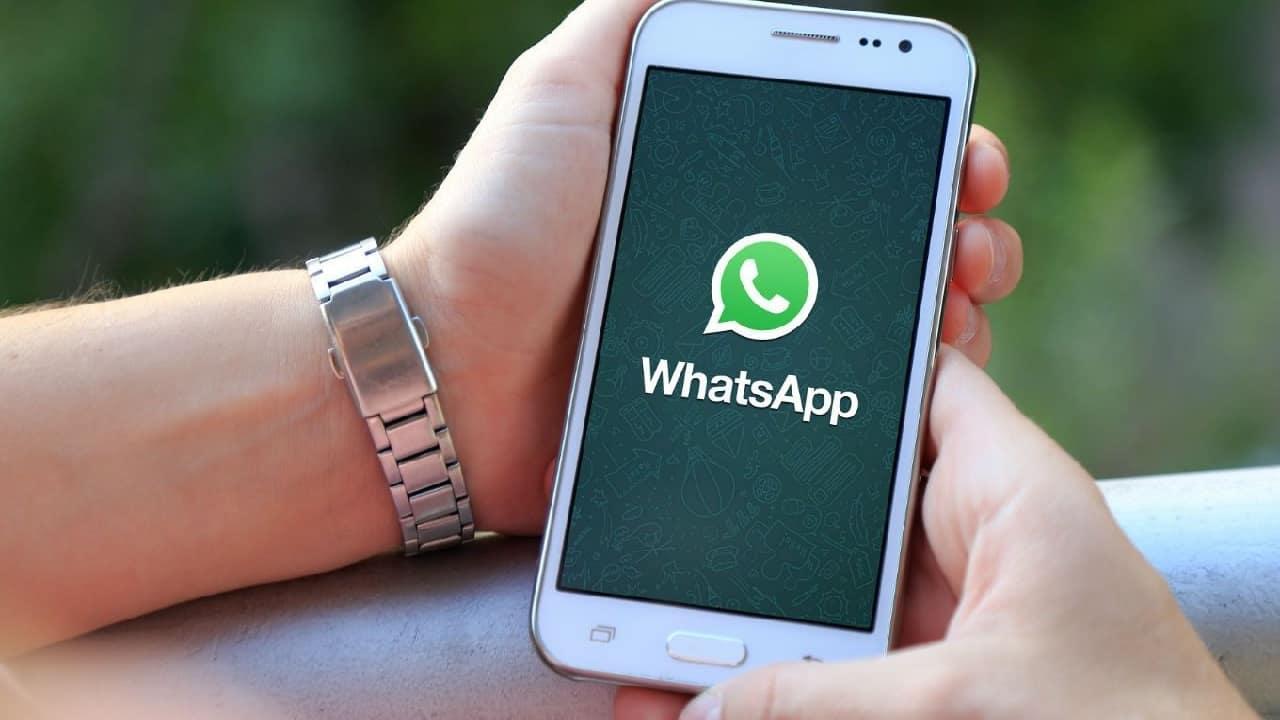 Cuidado: golpe no WhatsApp promete liberar PIS no valor de R$ 1.223,20