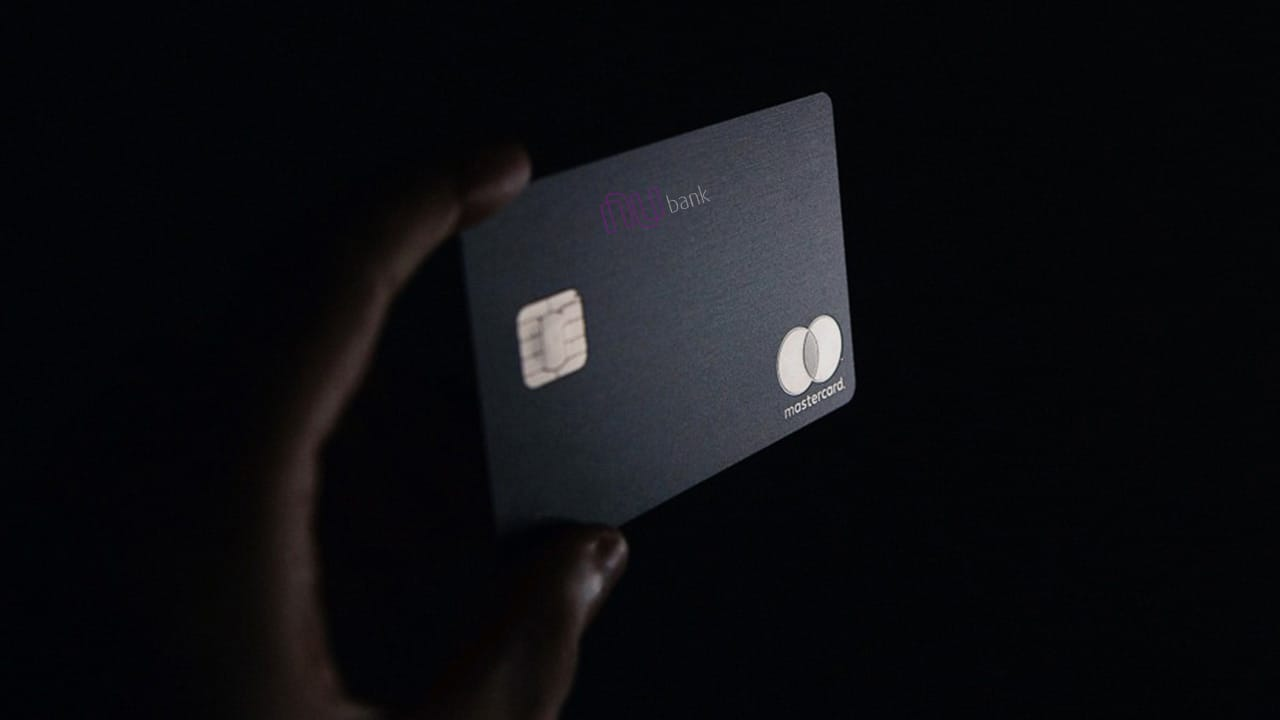 Nubank estuda lançar cartão de crédito Mastercard Black? Atualmente, existe um limite máximo?