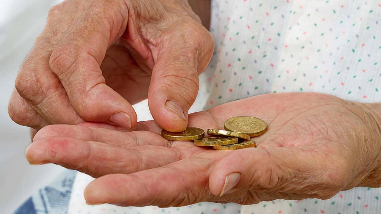 Salário mínimo no Brasil deveria ser de R$ 4.214,62, diz Dieese
