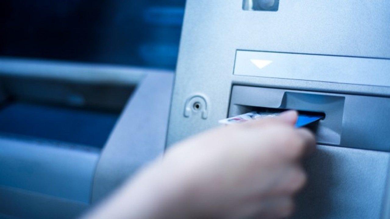 Beneficiários do INSS poderão usar o cartão magnético no débito