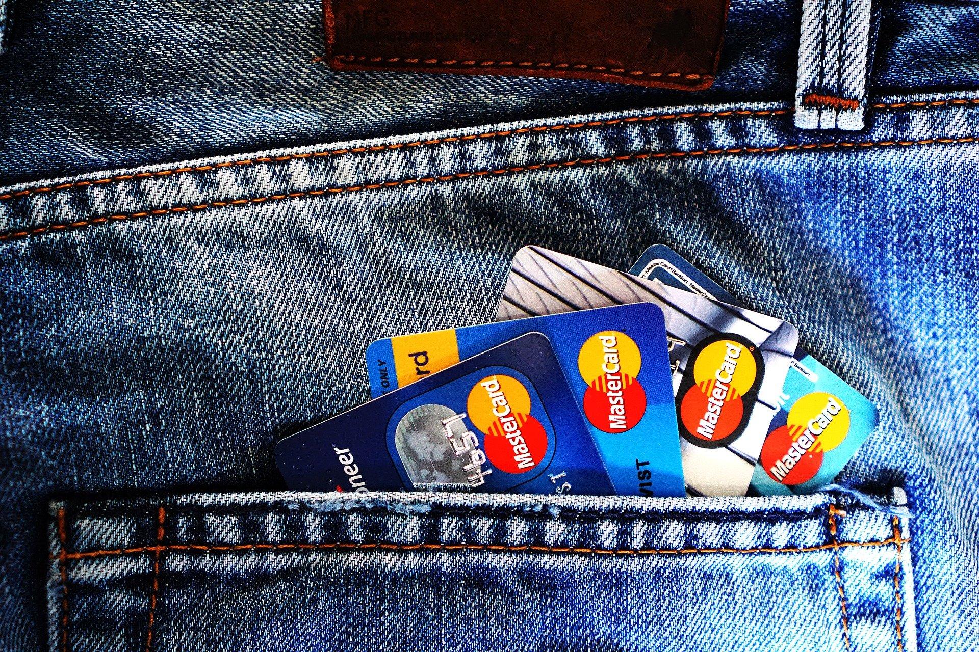 evite muitos cartões de crédito