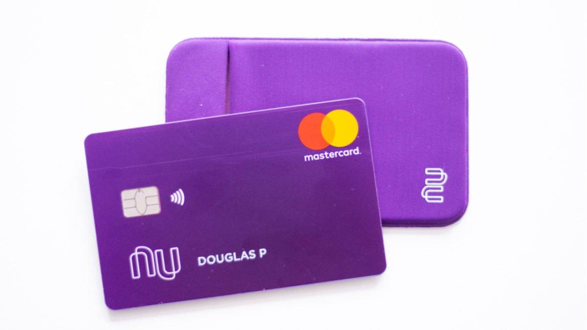 Nubank decide diminuir tarifa do saque no Banco24Horas para alguns clientes