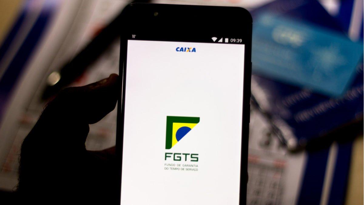 Atenção: hoje é o último dia para aderir ao saque-rescisão do FGTS. Perdendo o prazo, tem que esperar 2 anos