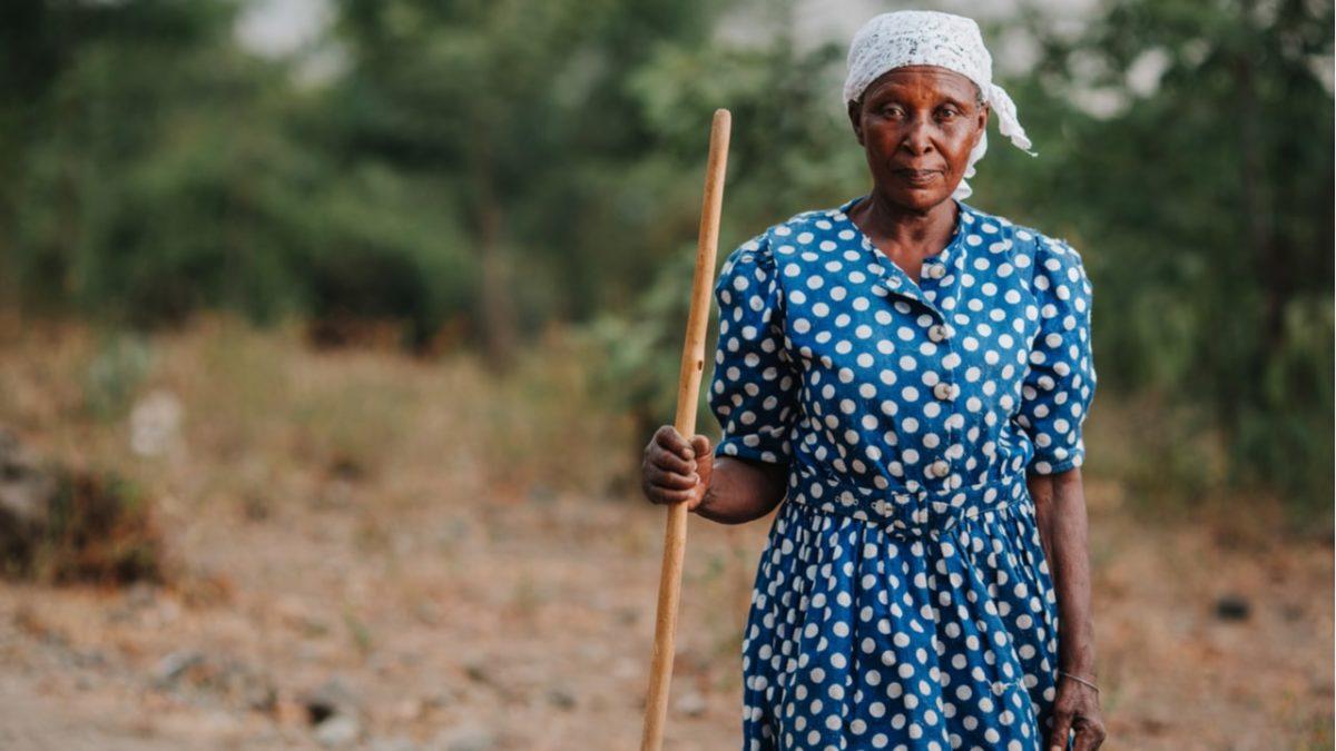 Conheça o BPC: salário mínimo que idosos e deficientes têm direito a receber