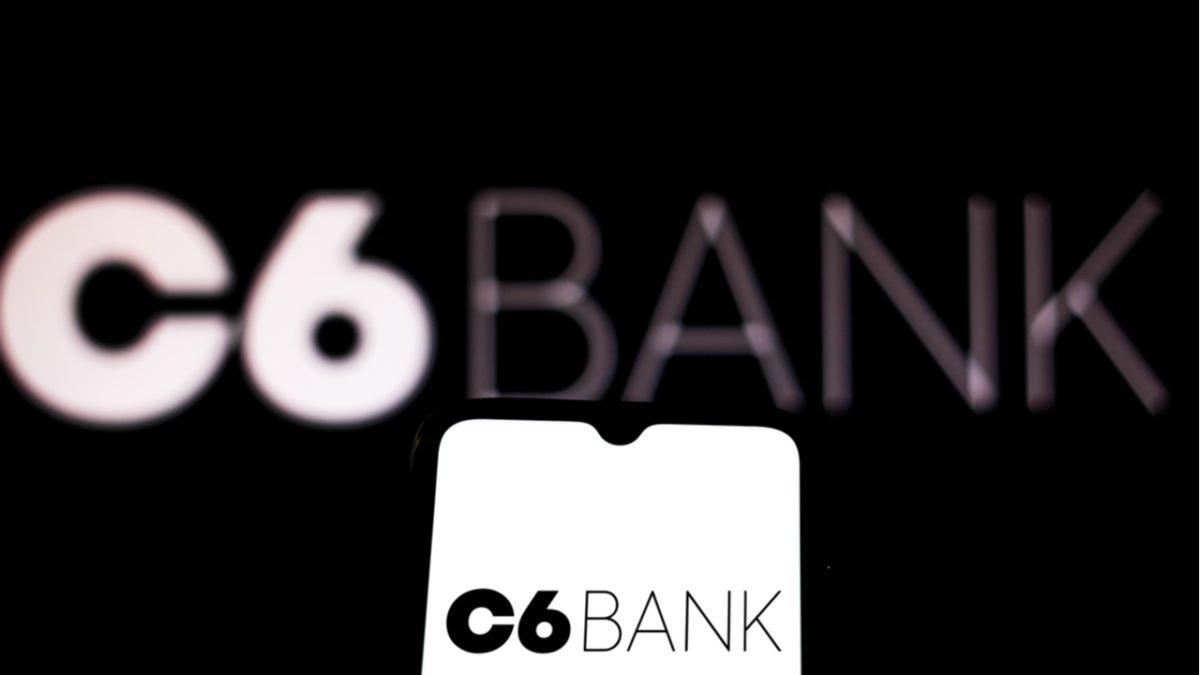 Conta Global C6 Bank: reduza o custo do dólar nas viagens internacionais