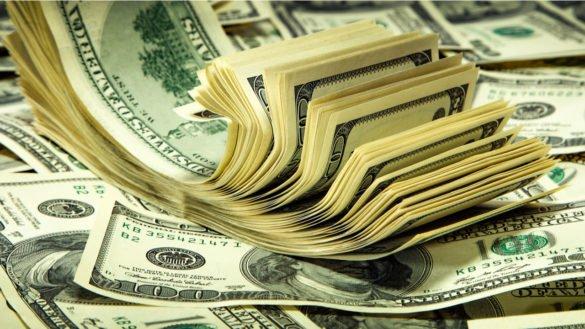 Dólar bate recorde