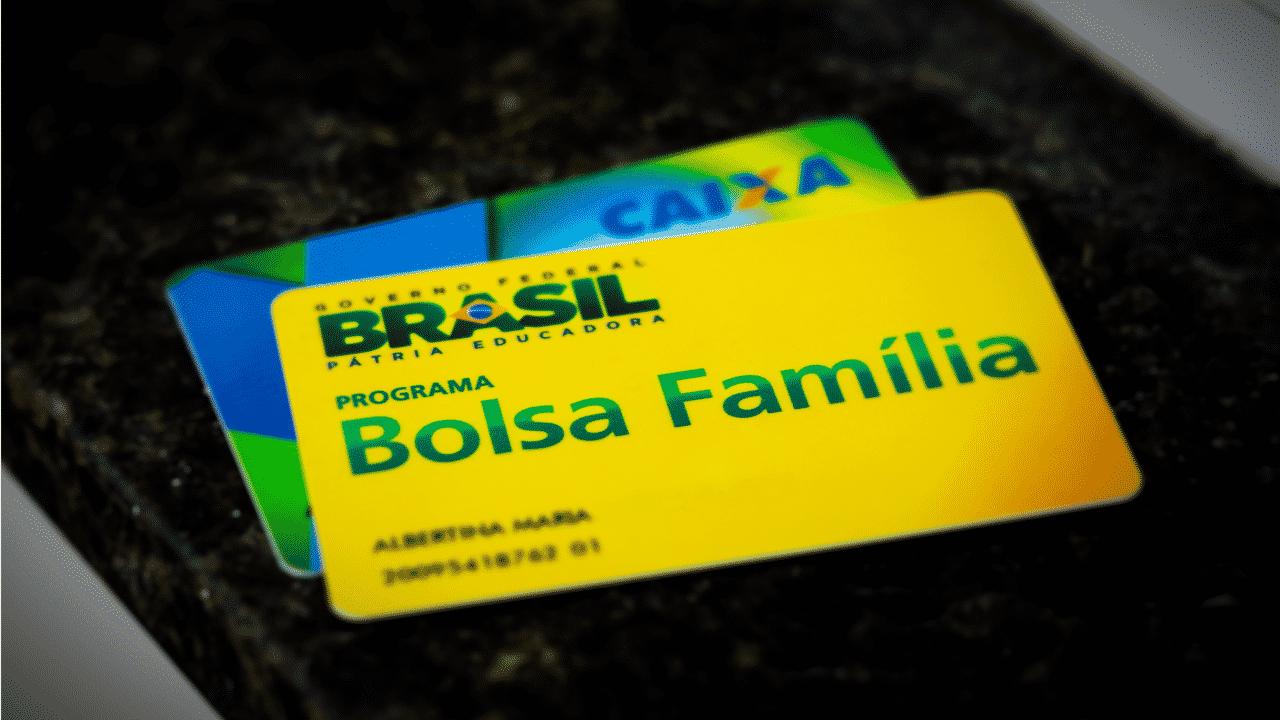 Projeto de Lei 74520 garante pagamento em DOBRO para beneficiarios do Bolsa Familia