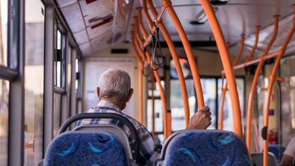 MP 922 aposentadoria e multar idosos na rua coronavirus quarentena