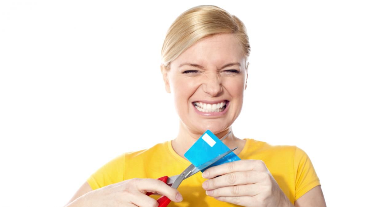 Quase 12% das pessoas usou mais de 50% do limite do cartão de crédito em janeiro